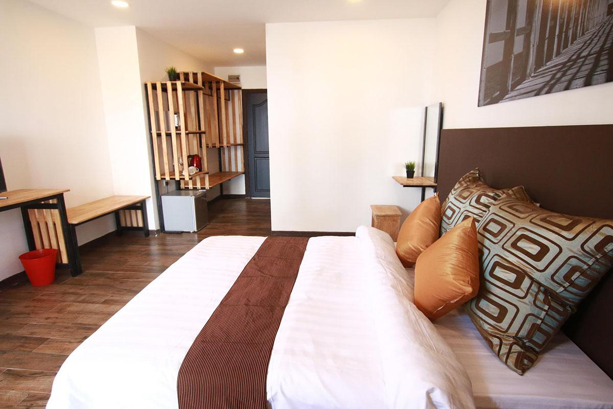 Barat Tioman Beach Resort